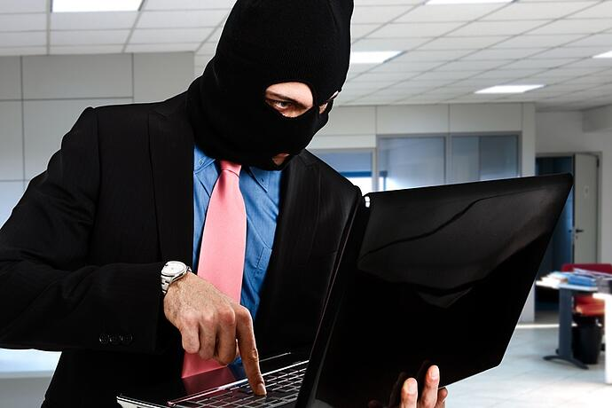 insider-threat-privileged-access-management-user-administrator-it-security.jpg
